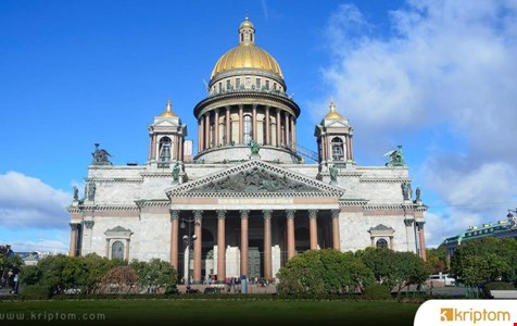 Binance, Yaklaşan Katı Düzenlemelere Rağmen Rusya'da Kripto Kartıyla Devam Etmeyi Planlıyor.